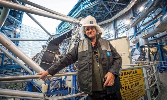 Brian May, storico chitarrista dei Queen e, come pochi sanno, astrofisico