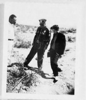 Un agente della CIAsul luogo di un avvistamento | CIA