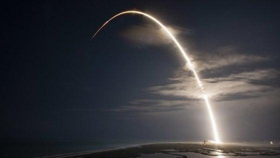 SpaceX (Flickr - JCSAT-18 Mission)